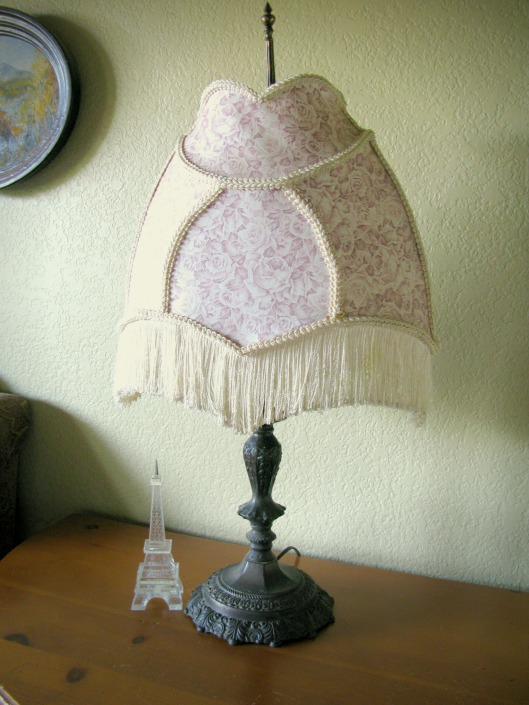 pink victorian lamp 96 copy